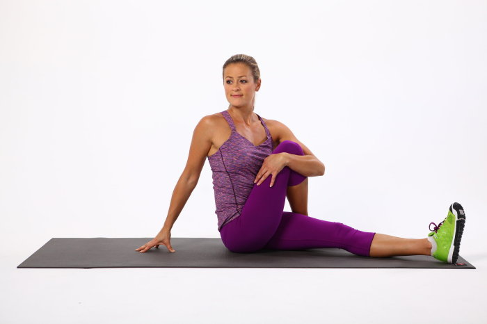 seated-spinal-twist-700x466